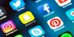 How Does Social Media Impact the Perception of Global News?